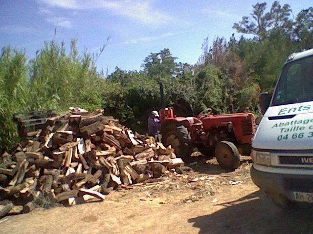 Bois de chauffage rochefort du gard 30650 page 2 les fournisseurs de b ches - Ranger du bois de chauffage ...